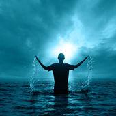 Uomo in acqua