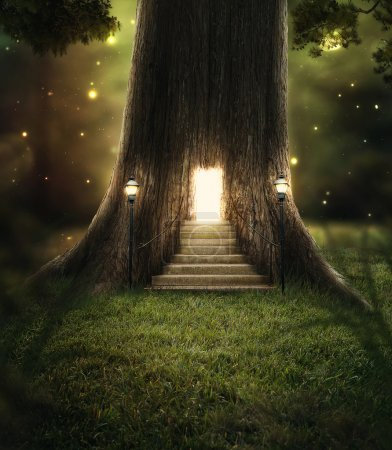 Photo pour Un arbre dans la forêt avec une porte rayonnante de lumières vives. - image libre de droit