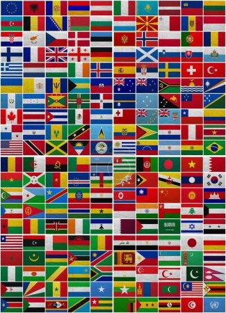 Photo pour Drapeaux de tous les pays du monde sur un fond d'un sac - image libre de droit