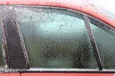 Jég, a kocsi ablak