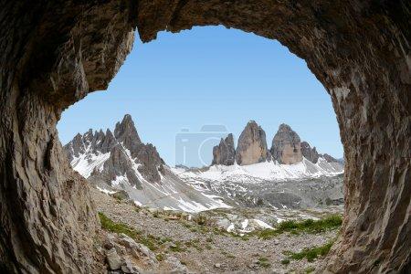 Photo pour Tre cime di Lavaredo avec Paternkofel, Alpes Dolomites, Italie - image libre de droit