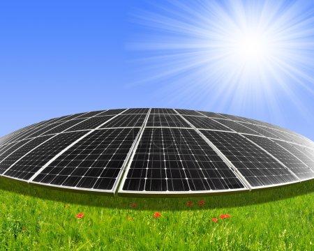 Foto de Paneles de energía solar contra el cielo soleado - Imagen libre de derechos