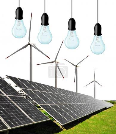 Foto de Paneles de energía solar con turbinas eólicas y bombillas - Imagen libre de derechos