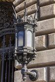 Budapešť, Maďarsko. typické architektonické detaily domů v historickém městě