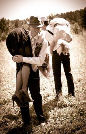 Photo pour Deux bandits vole femmes - image libre de droit