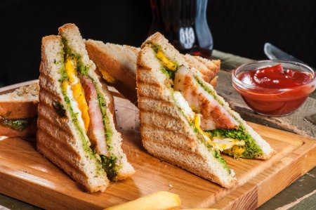 Grilled sandwiches with chicken and egg