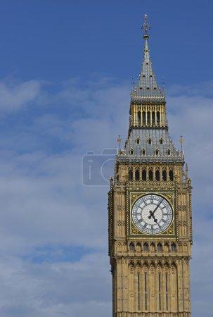 Photo pour Elizabeth Tower of the Houses of Parliament à Londres, Angleterre. Auparavant appelé la Tour de l'Horloge, il abrite la cloche nommée Big Ben . - image libre de droit