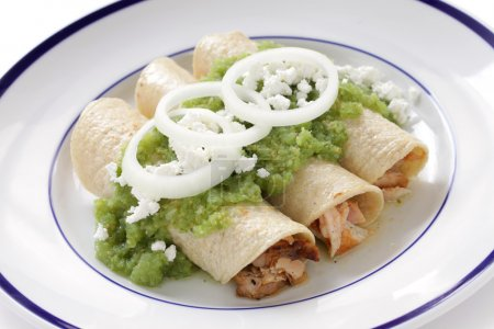 Chicken enchiladas verde