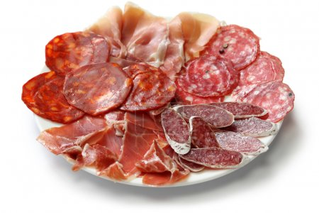 Photo pour Fuet galidad, jamon serrano, chorizo, salchichon et jamon iberico - image libre de droit