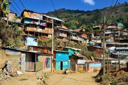 Photo pour Quartier Saint-Domingue à MEDELLIN .Département d'Antioquia. COLOMBIE - image libre de droit