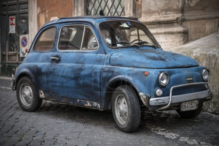 Fiat 500 parked