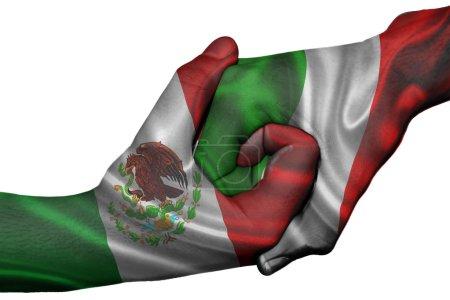 Photo pour Poignée de main diplomatique entre pays : drapeaux du Mexique et Italie surimprimé les deux mains - image libre de droit