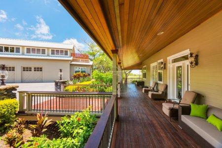 Home Exterior Patio Deck
