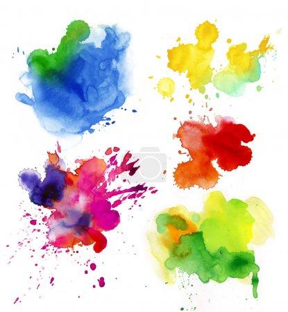 Photo pour Ensemble de gouttes colorées aquarelle et vaporiser sur un fond blanc . - image libre de droit