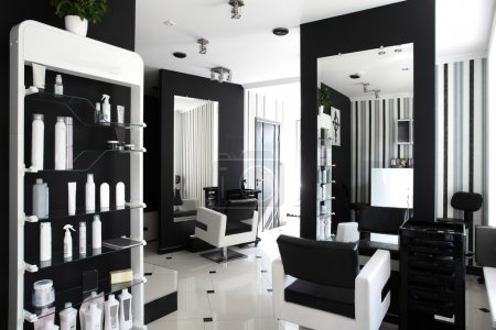 Photo pour Intérieur noir et blanc du salon de beauté - image libre de droit