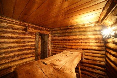 Photo pour Intérieur luxueux et mignon du sauna russe en bois - image libre de droit