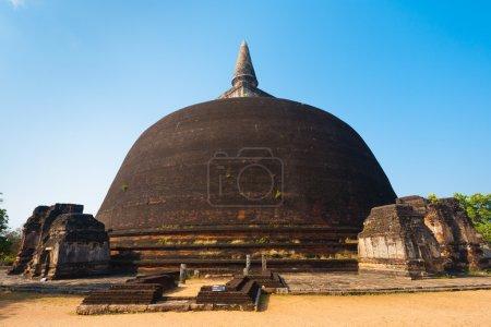 polonnaruwa arrière de rankoth vehera stupa bouddhiste