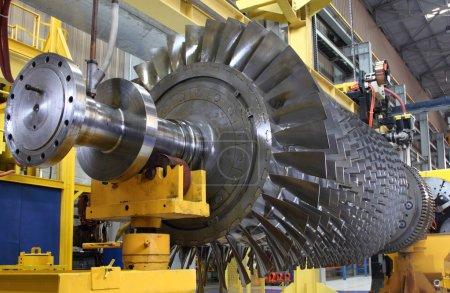 Gas turbine rotor at workshop