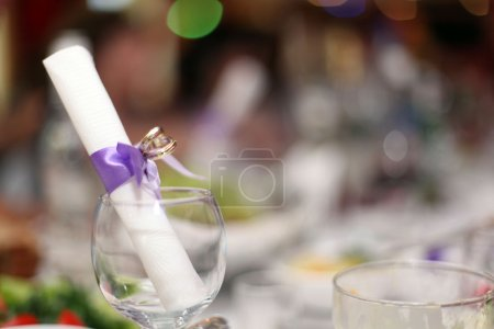 Photo pour Table de restaurant, banquet - image libre de droit