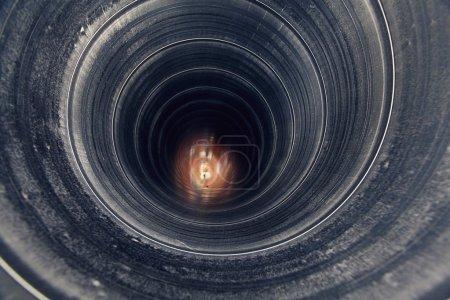 Photo pour Texture métallique du tuyau à l'intérieur - image libre de droit