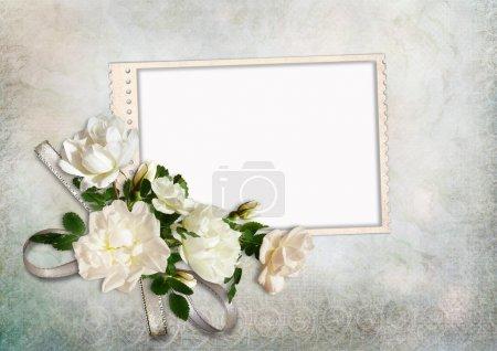 Photo pour Fond vintage avec cadre et roses - image libre de droit