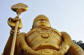 Socha lorda murugan na hinduistické batu jeskyně na okraji