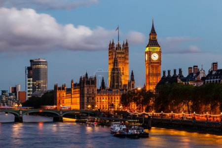 Big Ben and Westminster Bridge in the Evening, Lon...
