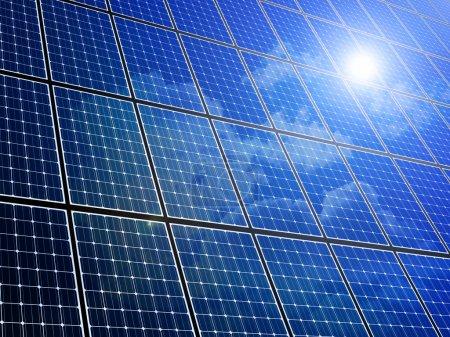 Foto de Matriz de paneles solares con cielo azul reflectio - Imagen libre de derechos