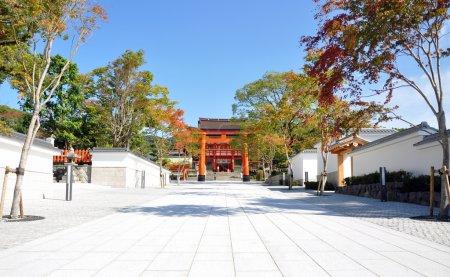 Photo pour Sanctuaire Fushimi Inari-taisha à Kyoto Japon Ce sanctuaire dédié au dieu du riz et du saké - image libre de droit