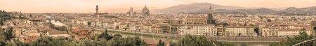 Photo pour Florence sépia tonique paysage urbain aérien. Vue panoramique depuis la place du parc Michelangelo. De gauche à droite : Ponte Vecchio, Palazzo Vecchio et Cathédrale du Duomo. Italie - image libre de droit