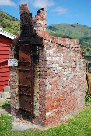 Foto de Horno viejo wheelwright en okains bay Museo, Península de bancos, Nueva Zelanda - Imagen libre de derechos