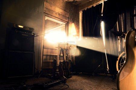 Photo pour Studio de musique créative typique - image libre de droit