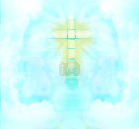 Photo pour Un transparent Croix donnant la lumière céleste dans le ciel. - image libre de droit