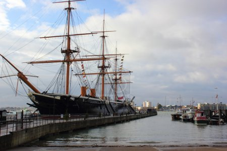 Hms warrior portsmouth naval dockyards