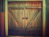 Dřevěná farma brána