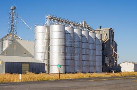 Metal silos and grain elevators