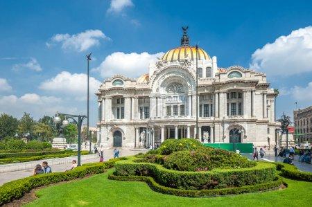 Photo pour Palacio de Bellas Artes, Mexico city - image libre de droit