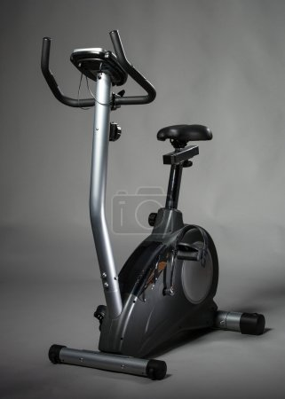Stationary training bicycle