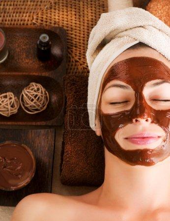 Photo pour Masque au chocolat Spa Visage - image libre de droit