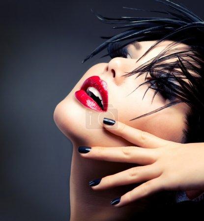 Photo pour Portrait de jeune fille Fashion art. maquillage vive - image libre de droit