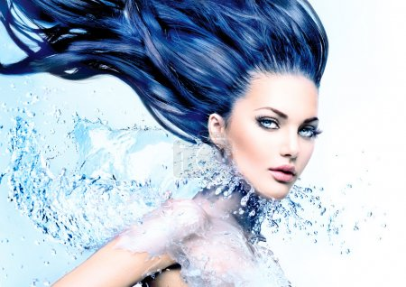 Model girl with water splash collar
