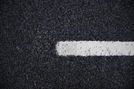 Photo pour Asphalte route dessus vue arrière-plan - image libre de droit
