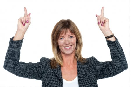Foto de Mujer encantadora corporativa con los brazos levantados - Imagen libre de derechos
