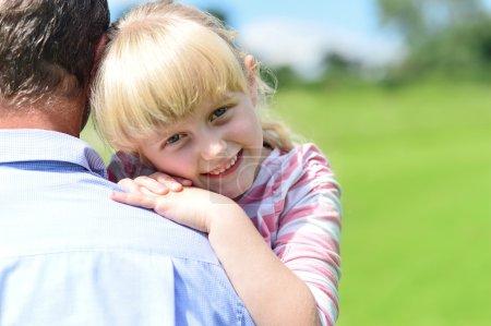 Photo pour Amour du père et de la fille . - image libre de droit