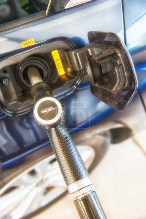 Refueling diesel car (europe)