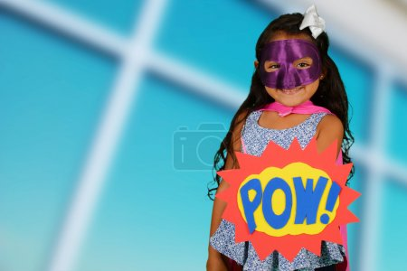 Foto de Chica que está vestida como un súper héroe - Imagen libre de derechos
