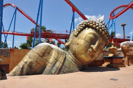 Photo pour Statue de Bouddha dans la zone chinoise de Port Aventura, Espagne - image libre de droit