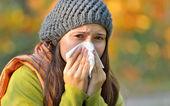 Dívka s alergií nebo za studena pomocí tkáně