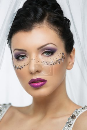 Bride with bright makeup