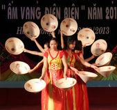 Dívka v kroji navštěvovat kulturní festivaly